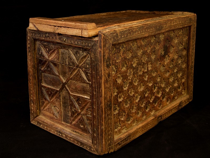 Caja madera tallada Tahzout (P)