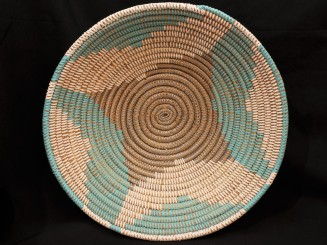 Handwoven plastic and vegetal fiber tray or dish