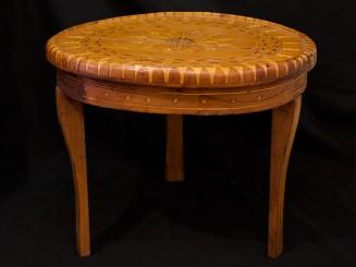 Mesa madera de tuya incrustaciones.