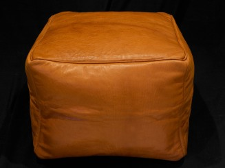 Simple leather pouf (squared)