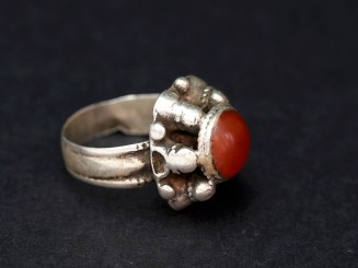Silver and carnelian vintage ring