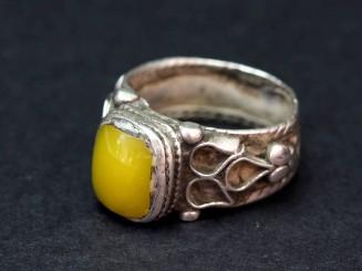 Vintage silver resin ring