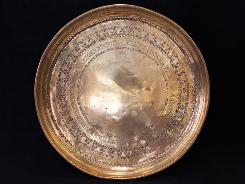 Old engraved Moroccan copper tray