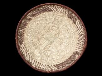 Vegetal fiber woven dish....