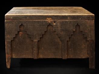 Sunduk. Carved wooden chest