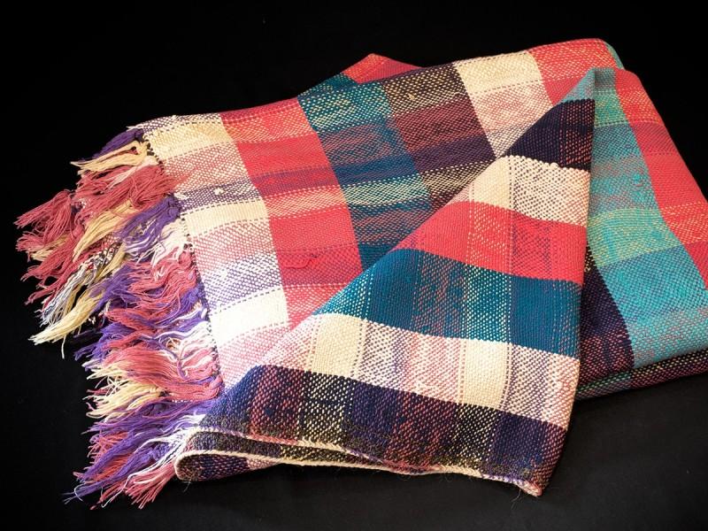 Moroccan artisan handwoven cotton shawl (haïk)
