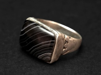 Old banded agate silver ring