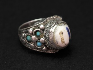 Old silver and glass bead ring