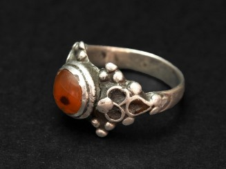 Vintage silver carnelian ring