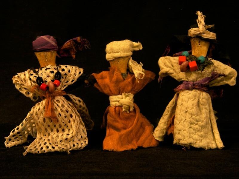 Muñecas antiguas bereberes hueso