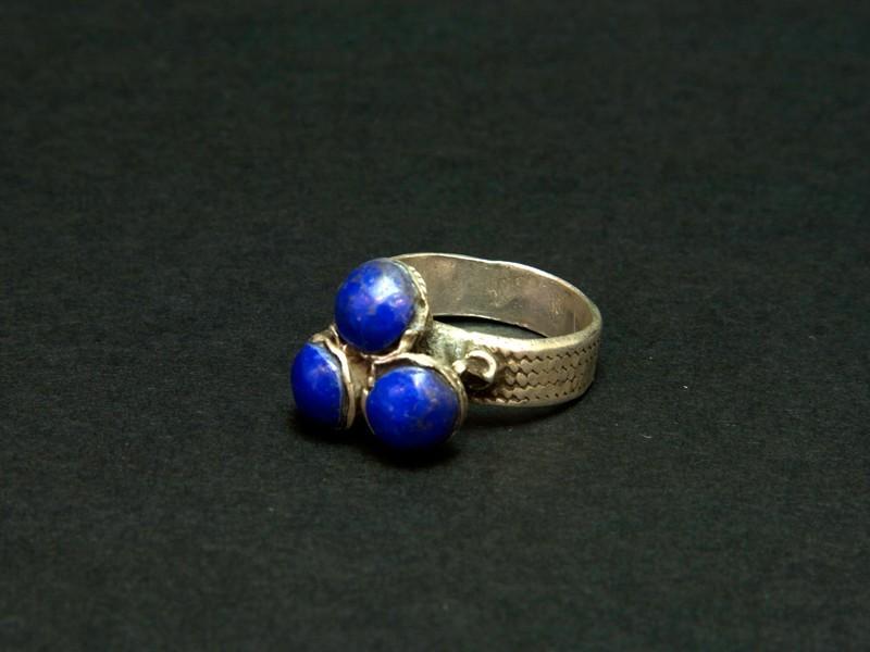 Silver lapislazuli ring
