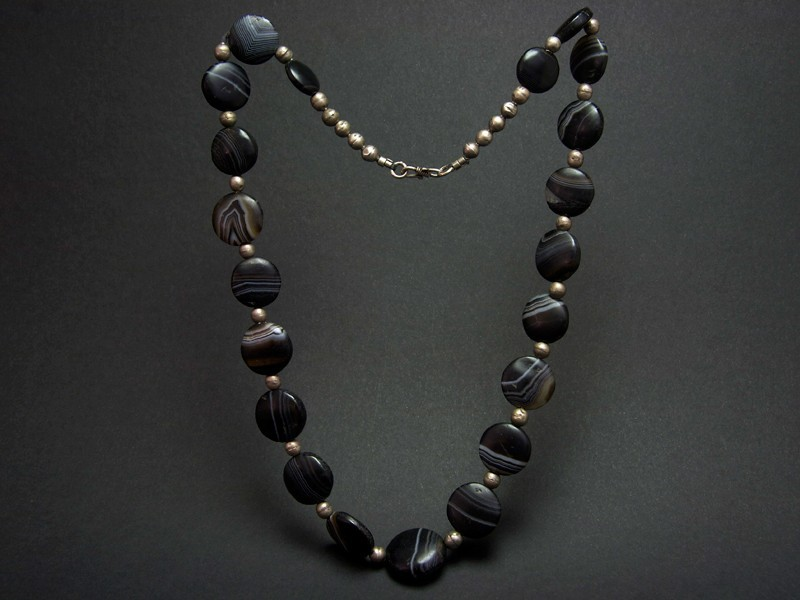 Ancient black agate beads necklace