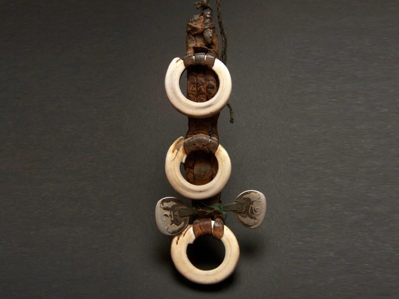 Saharian leather shell coins pendant