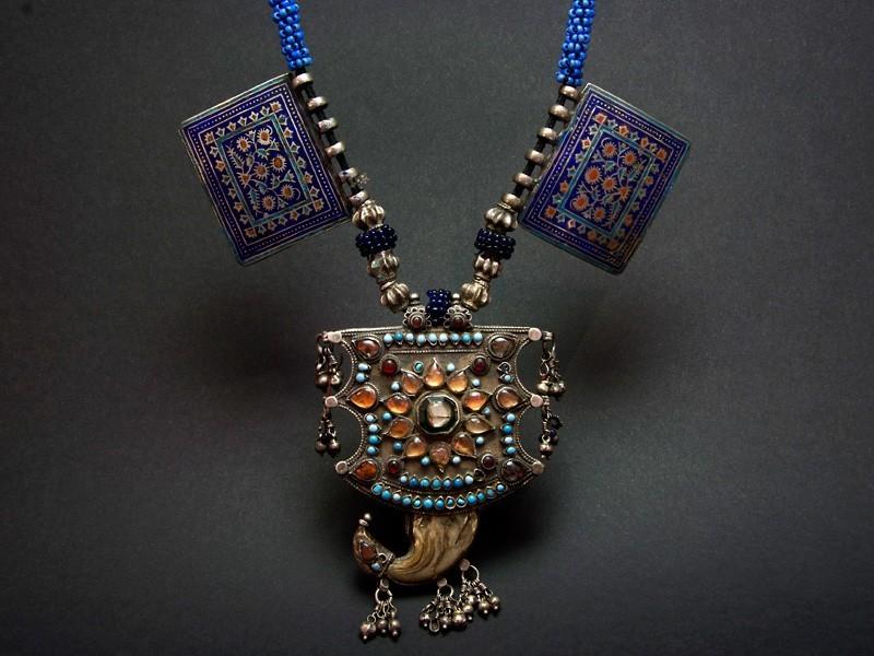 Multan tiger amulet silver necklace