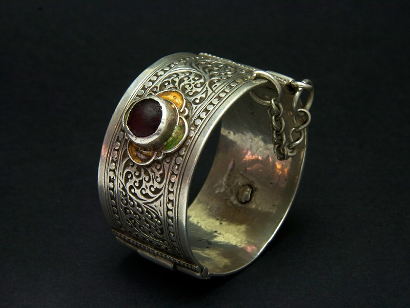 Old Berber Aït Baha silver bracelet