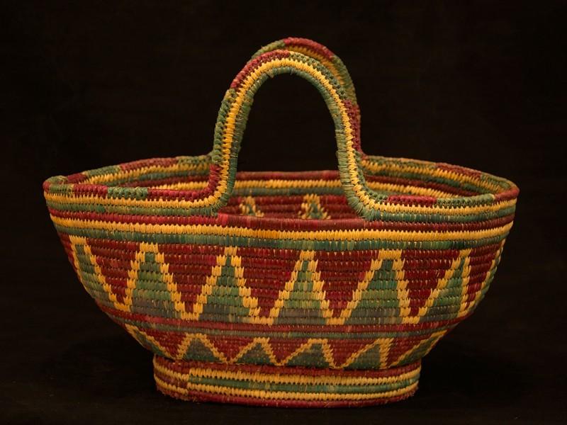 Handled straw basket. Guercif