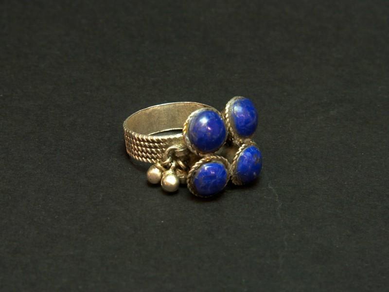 Silver and lapislazuli ring