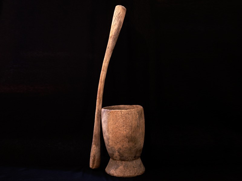 Mortero y mano de mortero mauritanos antiguos (G)