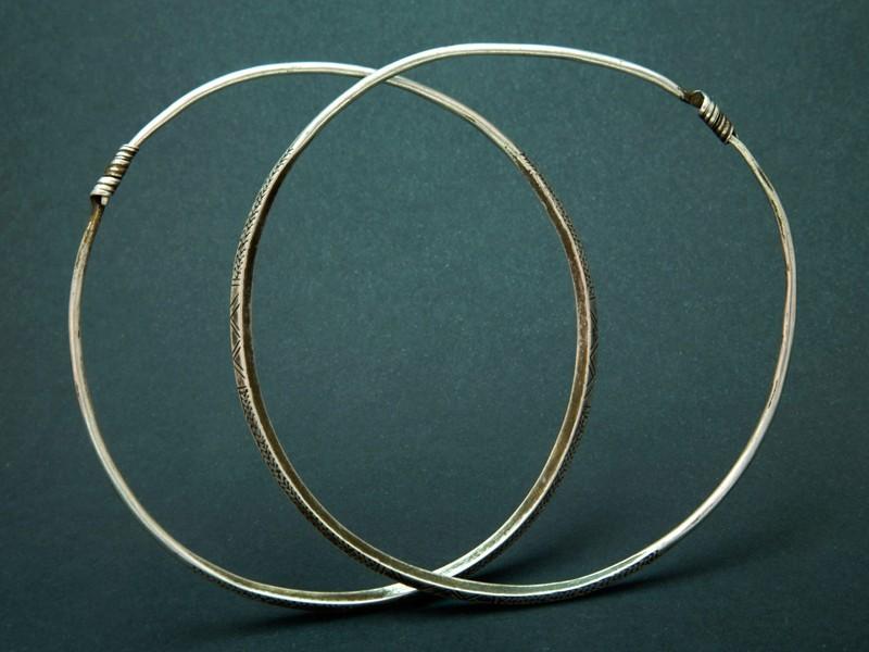 Berber old silver hoops (L)